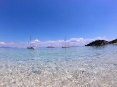 Playa en la mítica Isla de Ítaca que paramos en nuestro viaje en velero.