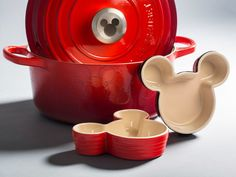 dutch oven and mickey mouse dishes le creuset set