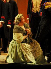 Giovanna Donadini, Costumi: Micol Joanka Medda, Regia Giuseppe De Tomasi, OperaFestival, Firenze 2008 Fonte: loschermo.it