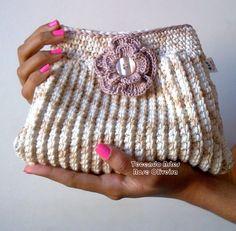 Tecendo Artes em Crochet: Bolsinha de Mão Charmosa!