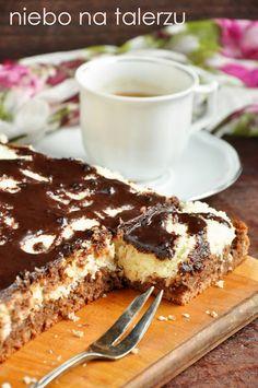 Sponge cake with coconut mass - the sky on the plate Baking Recipes, Cake Recipes, Dessert Recipes, Cinnamon Roll Pancakes, Polish Recipes, Polish Food, Quiche, Pumpkin Cheesecake, How Sweet Eats
