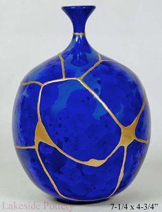 Crystalline blue Kintsugi bud vase #kintsugigallery  #lakesidepottery #kintsugi #Kintsukuroi Abstract Art For Sale, Art Paintings For Sale, Original Paintings For Sale, Japanese Vase, Japanese Ceramics, Japanese Pottery, Kintsugi, Glue Art, Ceramic Art