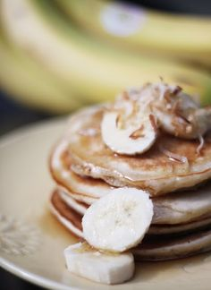 bebe a la mode designs: Coconut Banana Pancakes Banana Pancakes, Pancakes And Waffles, Banana Coconut, Coconut Syrup, What's For Breakfast, Health Breakfast, Banana Recipes, Waffle Recipes, How To Cook Sausage