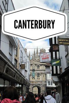 En el sudeste de Inglaterra, en el condado de Kent, a unos 70 kilómetros al este de Londres.