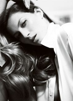:: PHOTOGRAPHY :: adore this series Gisele and Mario Testino #photography
