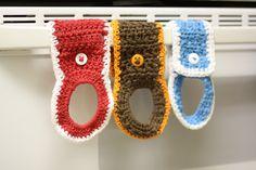 crochet towel holder Nice design and SO HANDY! FREE pattern :D
