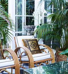 Latest Obsession: Tamsin Johnson Interior Design — Brunch on Chestnut Modern Outdoor Furniture, Unique Furniture, New Interior Design, Interior And Exterior, Spanish Style Interiors, Beach House Furniture, Versace Home, Outdoor Chairs, Outdoor Decor