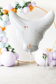 white pigeon foil wedding ballon filled with helium. Easy wedding decoration for small weddings. White Pigeon, Simple Wedding Decorations, Small Weddings, Wedding Balloons, Wedding Inspiration, Bird, Easy, Paloma Blanca, Birds