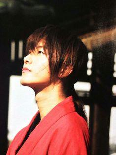 Takeru Sato as Kenshin Himura Aunque debo reconocer que me gusta el actor por el personaje que interpreta :D