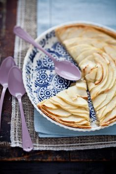 Thin Apple Tart