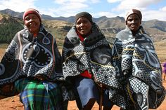 The secret language of the Lesotho Blanket. How a Basotho blanket is worn can tell you a story about a person. Film Black, Xhosa, World Thinking Day, African Fashion, African Style, Spring Summer 2018, Tribal Art, Repeating Patterns, Textile Prints