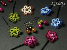 Cro-tatting. I like the second color underneath. It is a second, larger flower - but the same look might be achieved with a border.