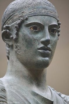 Ο Ηνίοχος The Bronze statue of the Charioteer, B.