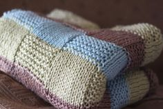 Beautiful knit blanket (free pattern)