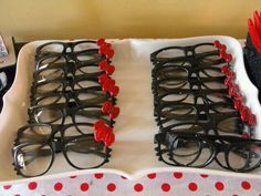 Hello Kitty Glasses for Birthday Party favors! Super cute idea