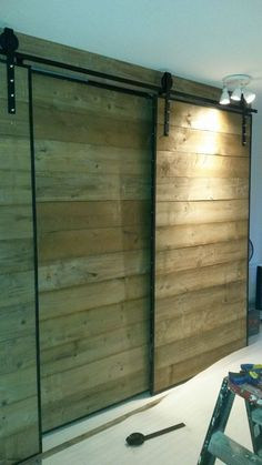 Op maat gemaakte kastenwand. steigerhout#katrol#industrieel