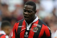 Superb Mario Balotelli made a four minutes score from full time which gave Nice a 2-1 win over Lorient on Sunday (today) that left them top of Ligue 1 going into the international break.  Ricardo Pereira put Nice in front on the Cote dAzur but Benjamin Moukandjo equalised in the second half and it looked as if Lucien Favres side would have to settle for a draw until Balotelli bent in a brilliant late winner. The Italy strikers glorious days ended on a sour note as he was sent off in stoppage…