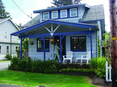 Bonnie Betty Jean Cottage in Cannon Beach. Look at that blue trim!