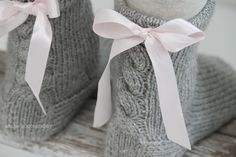 Woolen Socks, Rococo Fashion, Sock Crafts, Diy Crochet, Knitting Socks, Handicraft, Needle Felting, Mittens, Reusable Tote Bags