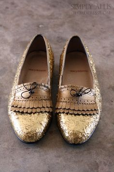 the best tutorial for glitter shoes that I've found.