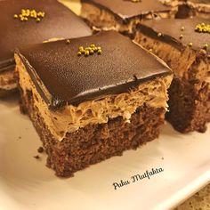 Practical Age Cake - My Delicious Food - Cheesecake Recipes Cheesecake Brownie, Cheesecake Recipes, Köstliche Desserts, Delicious Desserts, Yummy Food, Easy Easter Recipes, Herb Roasted Turkey, Pumpkin Cake Recipes, Walnut Cake