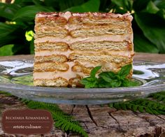 Tort de biscuiti cu cafea Romanian Food, Romanian Recipes, Russian Desserts, Bakery, Good Food, Dessert Recipes, Sweets, Cooking, Breakfast