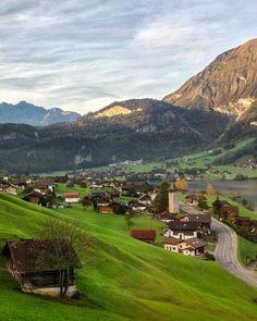 https://www.instagram.com/p/BTo11mLFGHg/?taken-by=switzerland.vacations