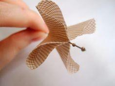 Wasting Gold Paper: Easy Parasol/Umbrella Tutorial