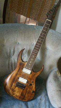 Modded Ibanez 7321 great look and beautiful shine #awesome #guitars #waycool