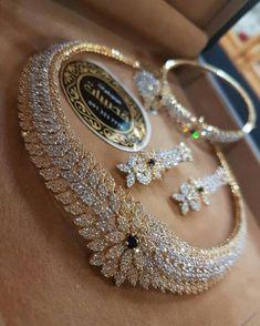 Diamond Necklaces : Me quedé Ciega! - Buy Me Diamond Antique Jewelry, Gold Jewelry, Jewelery, Vintage Jewelry, Fine Jewelry, Jewelry Necklaces, Diamond Necklaces, Men's Jewellery, Designer Jewellery