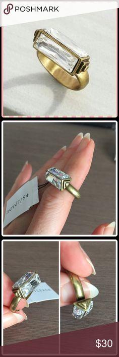 Silpada Swarovski crystal ring NWT. Silpada brass and clear Swarovski crystal ring. Size 6.5 -7. Stunning 💎🎀 Silpada Jewelry Rings