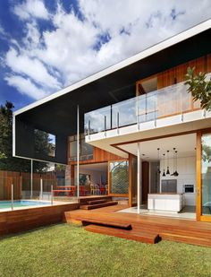 The Castlecrag Residence is a beautiful home located in Sydney, Australia. The home was wonderfully designed by CplusC Architects.