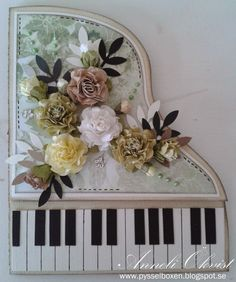 Annelis Pysselbox  beautiful piano card with lovely flowers