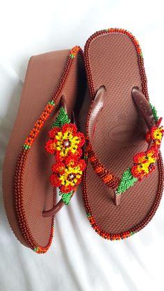 Crochet Tote, Crochet Bikini, Beaded Shoes, Diy Perler Beads, Seed Beads, Cross Stitch Patterns, Free Pattern, Flip Flops, Slippers