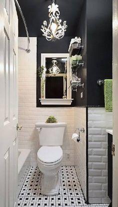 Des WC noir, voilà bien une couleur pas banale ! Moderne et chic, la déco WC adopte le noir pour se donner un style. Sur le carrelage, la peinture des WC, pour le papier peint ou avec les accessoires, quand le noir en duo avec du blanc ou en total look prend place dans les toilettes, la déco est tou