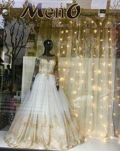 Tienda especializada en Vestidos Menocurves. Estamos en Torredembarra (Tarragona) en la C/Passeig de la Sort,n.23 Web: menocurves.es