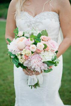 Garden roses and peonies #weddingbouquet