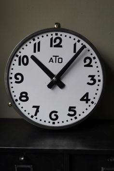 ancienne grande horloge de gare ATO cadran emallé