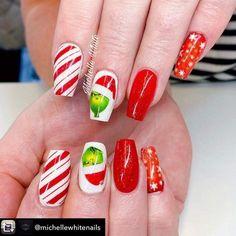 Xmas Nail Art, Cute Christmas Nails, Xmas Nails, Christmas Nail Art Designs, New Nail Art Design, Nail Designs, Candy Cane Nails, Disney Nails, Cute Nails