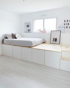Ikea Hack Besta, Ikea Bed Hack, Ikea Furniture Hacks, Bed Furniture, Ikea Hacks, Ikea Hack Kids Bedroom, Ikea Small Bedroom, Ikea Kids Room, Small Teen Room