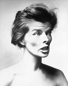 Unusual portrait of Katharine Hepburn by Richard Avedon, 1955. - Imgur