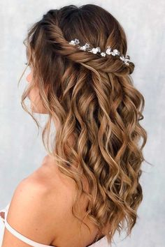 Quince Hairstyles, Ball Hairstyles, Homecoming Hairstyles, Homecoming Hair Down, Fishtail Hairstyles, Bride Hairstyles, Wedding Hair Half, Long Hair Wedding Styles, Wedding Hair And Makeup