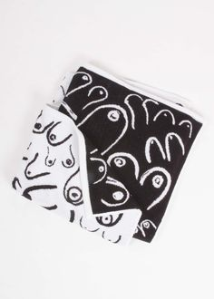 The day of the boob towel has dawned. For beach bathing or bath time, our soft and generous plush terry-loop boob towel has got you covered. Bath Time, Beach Day, Home Textile, Print Patterns, Boobs, Plush, Objects, Black And White, How To Make