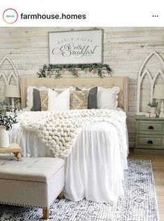 50 best simple ideas for adding blush accents to your home decorations 56 ~ Design And Decoration Farmhouse Master Bedroom, Master Bedroom Design, Home Decor Bedroom, Bedroom Ideas, Shabby Chic Master Bedroom, Decor Room, My New Room, Beautiful Bedrooms, Farmhouse Style