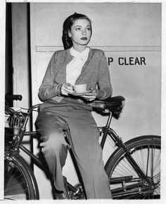 Lauren Bacall, ca. -Barcarole: Lauren Bacall, ca. Lauren Bacall, Cycle Chic, Humphrey Bogart, Jean Harlow, Jane Birkin, Rita Hayworth, Vintage Hollywood, Classic Hollywood, Film Mythique