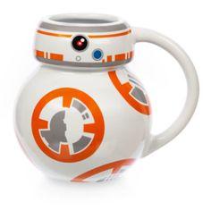 Questa tazza galattica, decorata con un'immagine ispirata al personaggio BB-8 di Star Wars, è il regalo ideale per chi ha sete di avventura. La forma ricorda il fedele droide della saga ed è perfetta per concederti un momento di relax sorseggiando la tua bevanda calda preferita!