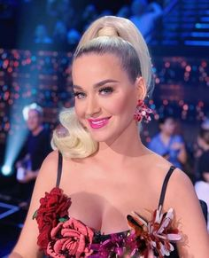 Katy Perry's Hit Song Dark Horse Copied Christian Rap Jury Finals - A nine-member federal jury in a Los Angeles courtroom on Monday found that the pop singer Katy Perry American Idol, Lorde, Jean Grey, Katy Perry Music Videos, Hair Gummies, Katy Perry Gallery, Katy Perry Pictures, Christian Rap, Portraits