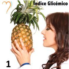 Todo el mundo habla del INDICE GLICEMICO y me gustaría enseñarles bien de que se trata!  El índice glicémico (IG) es un indicador de la velocidad con la que los carbohidratos se convierten en glucosa en la sangre.  Si el índice glicémico es alto, ⬆️ el carbohidrato se absorbe rápido y se convierte rápido en glucosa. Si el IG es bajo, ⬇️ su absorción y conversión es lenta.  El IG fue concebido para determinar cuáles alimentos eran los más beneficiosos para los DIABÉTICOS.  Los números