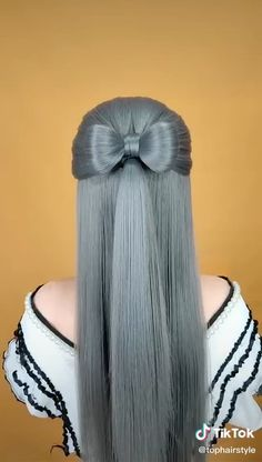 Having stunning hair every single day is something we all dream of, but find quite tough to achieve due to the busy and rushed routines. Not taking more than just a few minutes of yours, here is truly Hairdo For Long Hair, Easy Hairstyles For Long Hair, Diy Hairstyles, Hairstyle Hacks, Videos Of Hairstyles, Step By Step Hairstyles, Hair Up Styles, Medium Hair Styles, Hair Videos