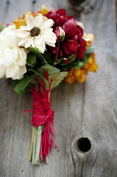 Simple, seasonal and absolutely perfect. Dahlias and zinnias.